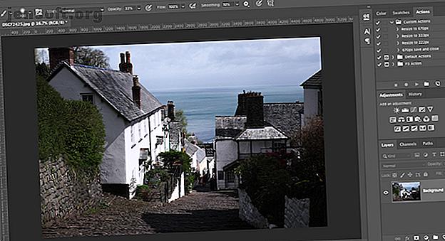 एडोब फोटोशॉप का उपयोग करके तस्वीरों से छाया हटाने के तरीके के बारे में जानने के लिए आपको यह सब कुछ करना होगा।  आपके विचार से यह सरल है।