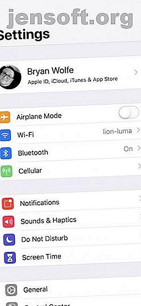 अपने iPhone और iPad को सिंक करने का तरीका जानने की आवश्यकता है?  यहां दो iOS उपकरणों को सिंक में रखने और आपके सभी डेटा की सुरक्षा करने का तरीका बताया गया है।