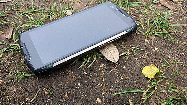 Vous recherchez un smartphone robuste avec une batterie longue durée?  Le Blackberry BV6800 Pro est fantastique à bien des égards, mais une combinaison médiocre de la batterie et du processeur, associée à une conception inhabituellement fragile, vous incite à chercher ailleurs.