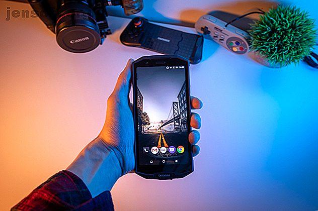 Le Doogee S70 est un téléphone raisonnable avec un écran exceptionnel, même s'il serait utile de perdre un peu de poids.