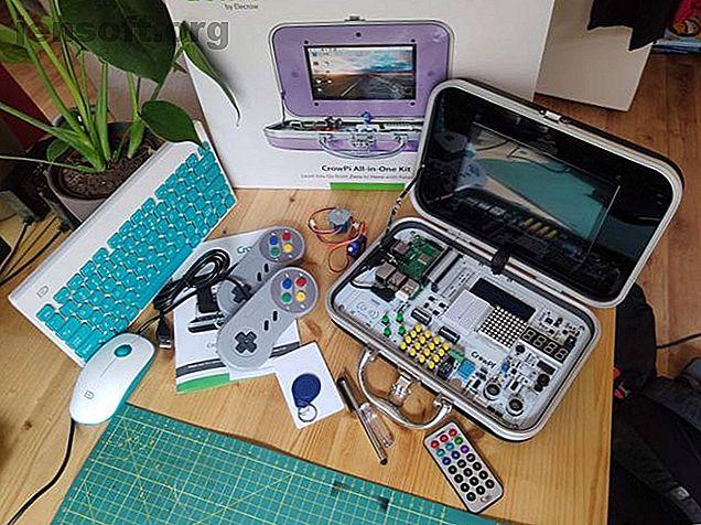 Publicité Notre décision concernant le CrowPi: Kit pédagogique compact Raspberry Pi: CrowPi est un kit de démarrage tout-en-un Raspberry Pi unique, bien conçu et au juste prix.  Pour commencer à utiliser la programmation ou le matériel Pi, il n'ya rien de mieux en ce moment.99Les kits de démarrage Raspberry Pi contiennent généralement les mêmes choses.