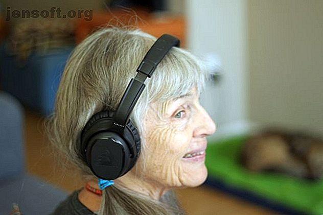 Η αισθητηριακή απώλεια ακοής προσβάλλει εκατομμύρια Αμερικανούς.  Μπορούν τα ακουστικά Bluetooth της Audeara να βοηθήσουν ή είναι σκουπίδια;