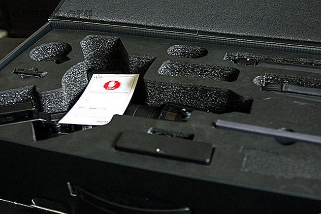 El Moza Air 2 es pesado y carece de portabilidad de viaje, pero está bien diseñado y ofrece un gran rendimiento.  Es una excelente opción para obtener el mayor valor por dólar gastado en un cardán prosumidor.