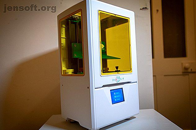 Impresionante impresora 3D, capaz de producir impresiones 3D sobresalientes.  El plástico de resina líquida significa que esto no es para todos.