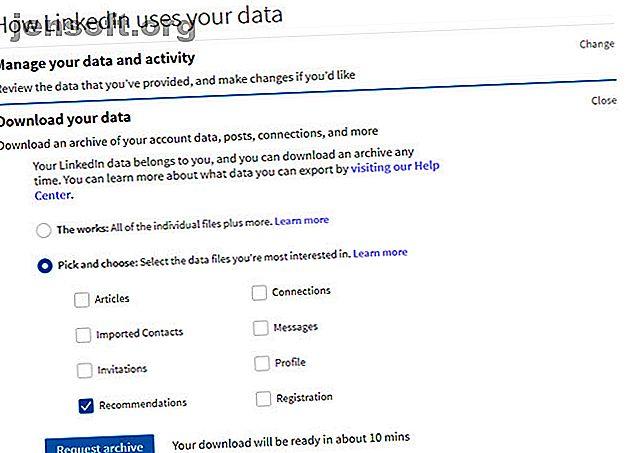 Saviez-vous que vous pouvez facilement télécharger une archive de toutes les données que LinkedIn a sur vous?  Suivez ces étapes simples.