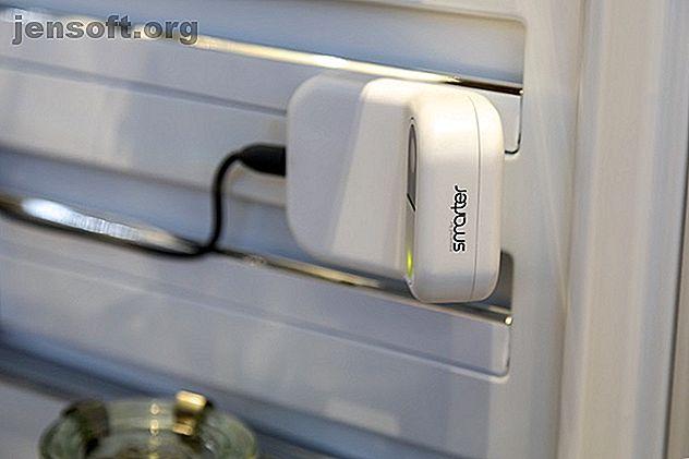 Les appareils de cuisine intelligents peuvent être coûteux.  Smarter's FridgeCam est un moyen abordable d'apporter la cuisine intelligente à votre domicile.