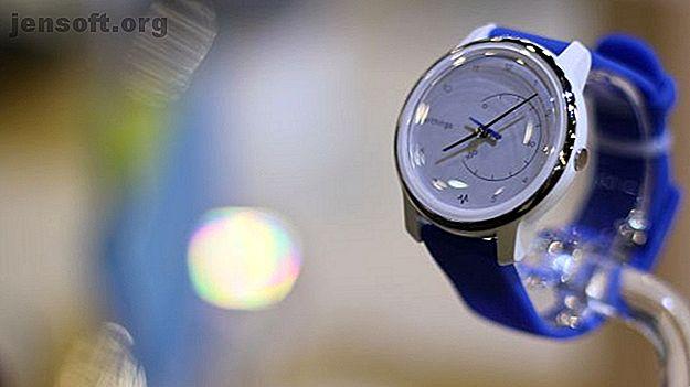 Withings a publié deux smartwatches de suivi d'activité.  L'ECG Move comprend un capteur de fréquence cardiaque à électrocardiogramme.