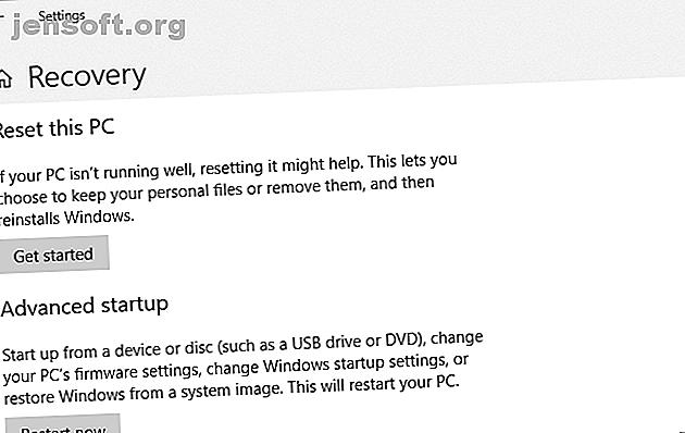 BIOS में जाने के लिए, आप आमतौर पर सही समय पर एक विशिष्ट कुंजी दबाते हैं।  यहां विंडोज 10 पर BIOS दर्ज करने का तरीका बताया गया है।